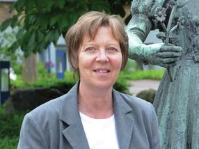 Dr. Karin Cabrera