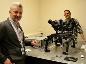 Clever use of mirrors boosts performance of light-sheet microscope