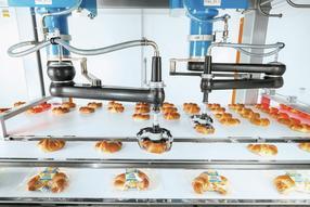 Behutsam und sicher – Die TLM-Anlagen verpacken empfindliche Produkte wie Backwaren nicht nur schonend, sondern auch in Höchstleistung in unterschiedliche Ausrichtungen und Formate.