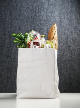 Bitte zu Tisch: Deutsche essen mehr frische Lebensmittel als Franzosen
