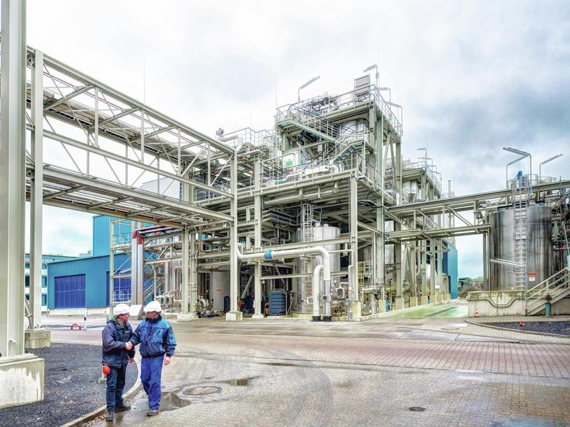 AkzoNobel and Evonik start membrane electrolysis operation