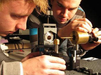 Spin-off-Unternehmen entwickelt Phasenkontrast für Elektronenmikroskopie_1