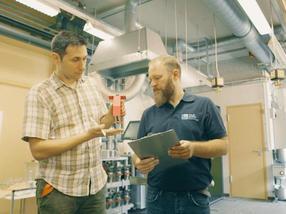 Die Nachwuchswissenschaftler, die das Projekt vorangetrieben haben: Dipl.-Ing. Vojislav Jovičić (Universität Erlangen-Nürnberg) und M.Sc. Ronny Takacs (TU München).