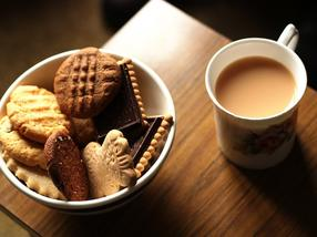 A healthy life with chocolate, tea, coffee and zinc?