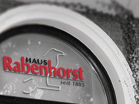 Mit regionalem Engagement, hochwertigen Auszeichnungen und innovativen Neuprodukten der Kernmarken Rabenhorst und Rotbäckchen in die Zukunft