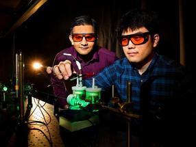 Künstliche Photosynthese wandelt Kohlendioxid in verflüssigbare Kraftstoffe um