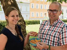 Walter Gössler und Simone Bräuer untersuchten, was in heimischen Pilzen steckt.