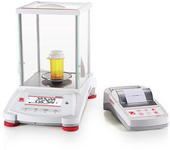 Die Waage lässt sich einfach mit Druckern und anderen Peripheriegeräten verbinden. Druckergebnisse können auch bequem auf den PC importiert werden.