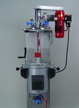 Kiloclave inert mit ATEX Antrieb und hydraulischem Lift