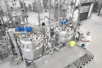 Batch vacuum processing plants