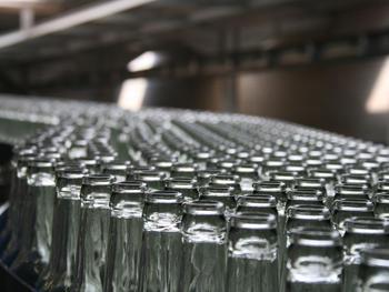 Mehrweg-Allianz fordert ab 2022 zusätzliche Lenkungsabgabe von 20 Cent auf klimaschädliche Getränkedosen und Einweg-Plastikflaschen