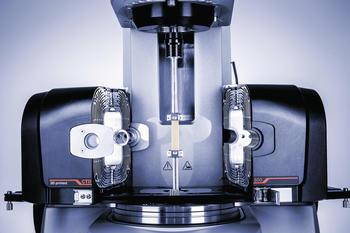 Das modulare Rheometer MCR 702 MultiDrive von Anton Paar für die dynamisch-mechanische Analyse (DMA) in Torsion oder Zug.
