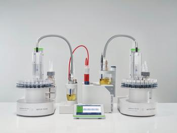 Two InMotion KF Pro connected to a T9 titrator