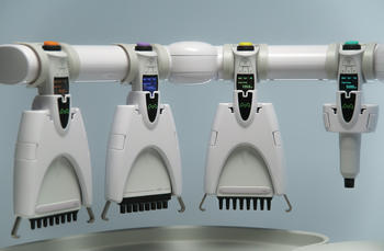 Andrew+ uses Bluetooth electronic pipettes manufactured by market leader Sartorius