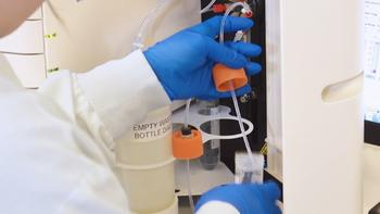 The 5200 Fragment Analyzer instrument allows two gel matrices
