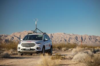 Das vierteilige System bestehend aus ABB-Analysator, Software, GPS, Ultraschallanemometer kann ganz einfach auf einem Fahrzeug installiert werden