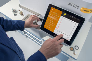 Intuitive operation and measurement results directly displayed on built-in touch screen