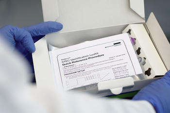 In den sofort einsatzbereiten, lyophilisierten Kits ist alles für den sicheren und korrekten Nachweis von STEC mit Hilfe der Real-Time PCR enthalten