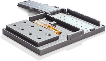 LVis Plate is a low-volume microplate that incorporates a cuvette slot and optional performance testing features