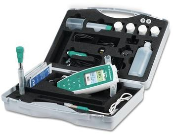 All the equipment needed for mobile outdoor pH measurements is neatly and safely stored in the field case.