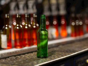 Carlsberg Marston's Brewing Company to trial glass bottles with up to 90% lower carbon impact