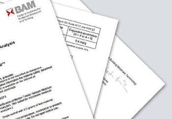<strong>Analysezertifikat</strong><br>Für jede cSmartCal-Produktionscharge wird ein Analysezertifikat ausgestellt. Dieses Zertifikat wird von der deutschen Bundesanstalt für Materialforschung und -prüfung (BAM; www.bam.de) ausgestellt. Ein Produktionszertifikat für SmartCal ist bei METTLER TOLEDO erhältlich.