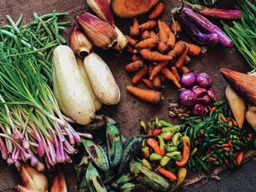 How we can reduce food waste and promote healthy eating