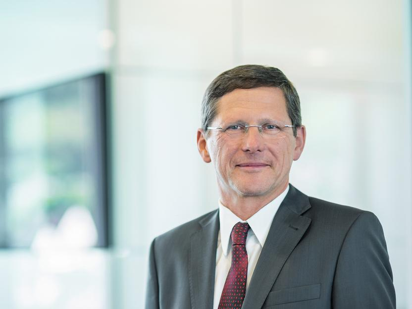 ZEISS Opts for Continuity: CEO Kaschke confirmed until 2020